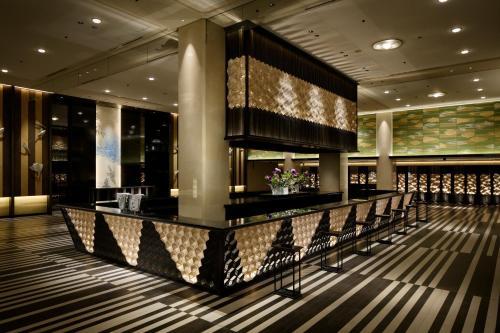 The lounge or bar area at Grand Prince Hotel Shin Takanawa