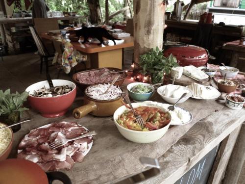 Eten bij of ergens in de buurt van de camping