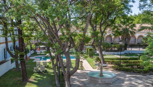 Un patio o zona al aire libre en Hotel Duques de Medinaceli