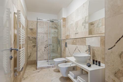 A bathroom at H7 Palace