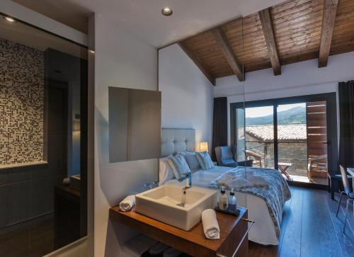 Una habitación en Bonansa Country Hotel