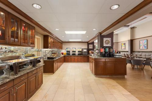 A restaurant or other place to eat at Homewood Suites by Hilton Orlando-Intl Drive/Convention Ctr