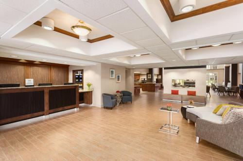 The lobby or reception area at Homewood Suites by Hilton Orlando-Intl Drive/Convention Ctr
