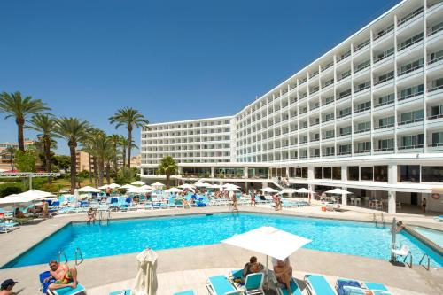 The swimming pool at or near Hotel Playasol The New Algarb