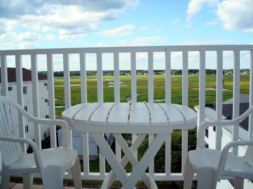 A balcony or terrace at Atlantic Breeze Suites