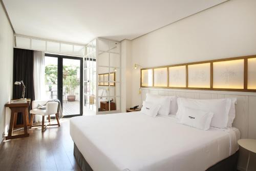 A room at Ofelias Hotel 4* Sup