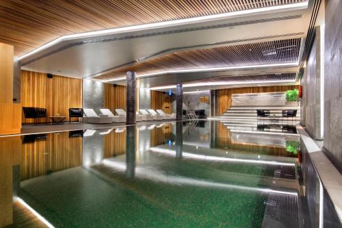 The swimming pool at or close to DoubleTree by Hilton Istanbul - Piyalepasa