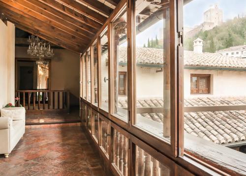 A balcony or terrace at Hotel Casa 1800 Granada