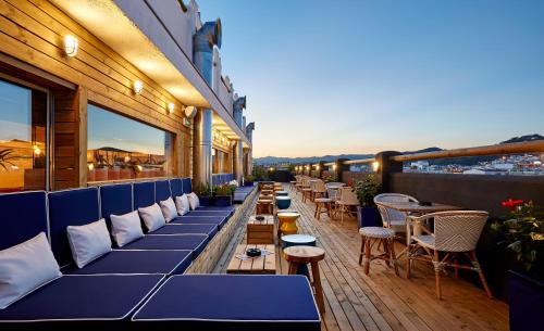 A restaurant or other place to eat at Delamar 4*Sup-Adults only (18+)