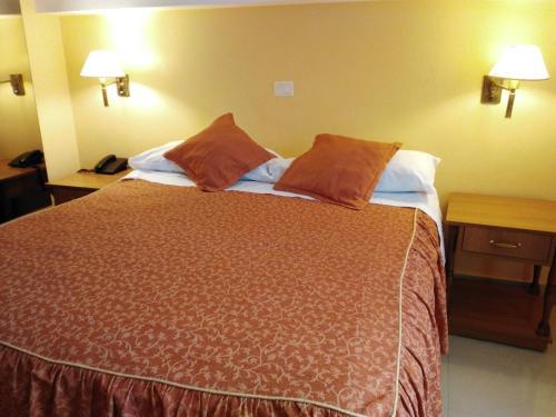 A room at Hotel A&B Internacional