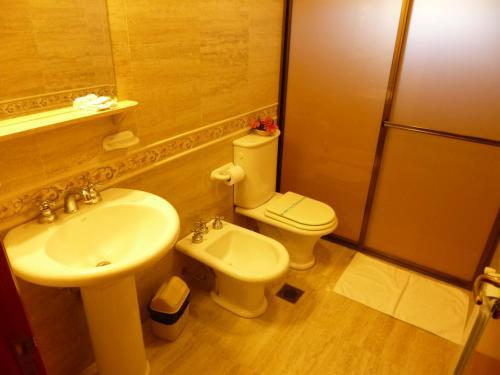 Un baño de Garden House Hotel