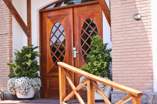 A porch or other outdoor area at Pousada Campos de Provence Campos do Jordão