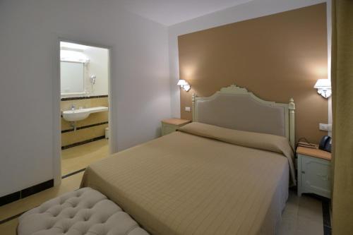 A room at Hotel Gargallo