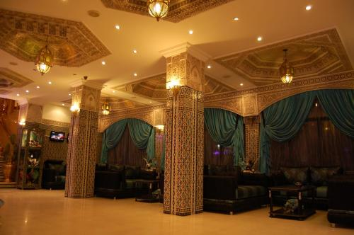The lobby or reception area at Hotel Mounia