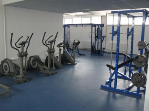 Das Fitnesscenter und/oder die Fitnesseinrichtungen in der Unterkunft Uninova Hostel