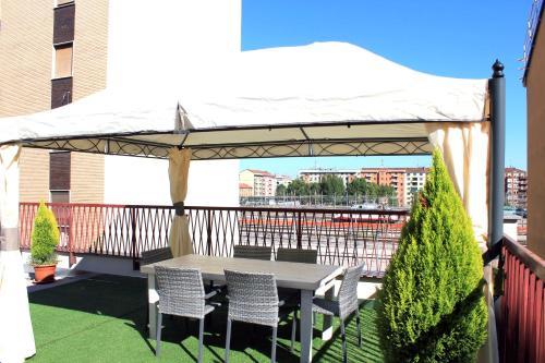 Un patio sau altă zonă în aer liber la Hotel Terminal