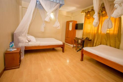 A room at Dans Hotel