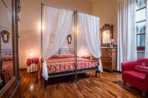 A room at Hotel Torre Guelfa Palazzo Acciaiuoli