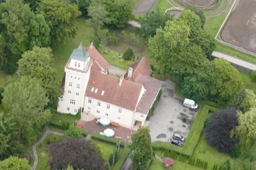 Widok z lotu ptaka na obiekt Zamek Nowęcin