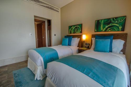 A room at Sofitel Dubai Palm Apartments