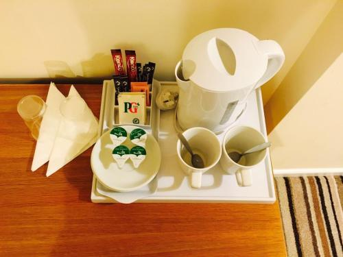 Coffee and tea-making facilities at Ebers Hotel