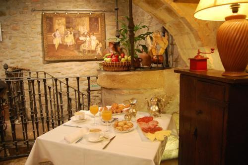 Un restaurante o sitio para comer en Hotel Rural Bidean