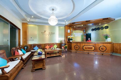 The lobby or reception area at Palm Beach Hotel