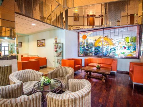 De lounge of bar bij Hotel Servigroup La Zenia