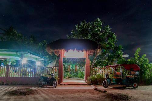 Eine Fassade oder ein Eingang zu Moonlight Resort