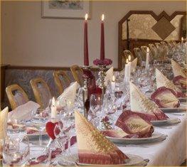 Ein Restaurant oder anderes Speiselokal in der Unterkunft Hotel Klaiber Garni