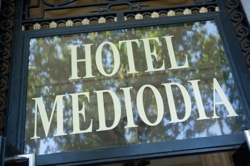 Certificado, premio, señal o documento que está expuesto en Hotel Mediodia