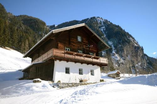 Forsthaus Malerwinkel during the winter