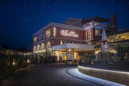 The facade or entrance of Villa Plaza Boutique Hotel & Spa