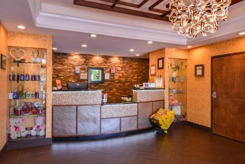 The lobby or reception area at Inn of The Dove Romantic Luxury & Business Suites