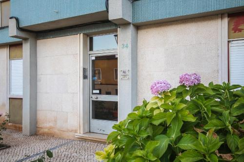 A fachada ou entrada de Celas Dream Studio