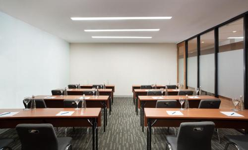 The business area and/or conference room at Four Points by Sheraton Jakarta Thamrin