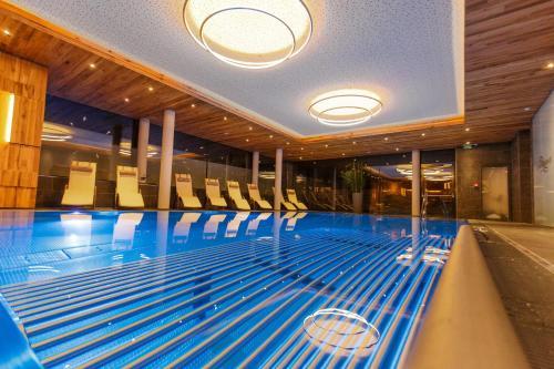 The swimming pool at or close to Hotel Kaprunerhof
