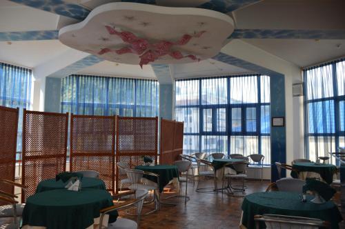 Ресторан / где поесть в Морская Звезда
