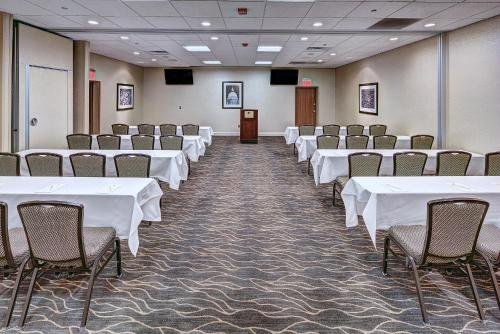 The business area and/or conference room at DoubleTree by Hilton Madison Downtown