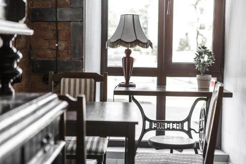 Ресторан / где поесть в Brick Walls Отель
