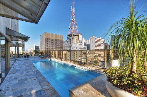 A piscina localizada em Transamerica Executive Paulista ou nos arredores