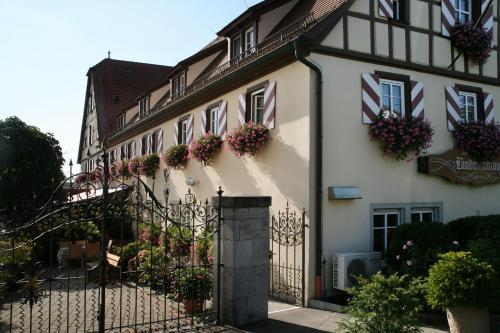 The facade or entrance of Hotel Brauereigasthof Landwehr-Bräu
