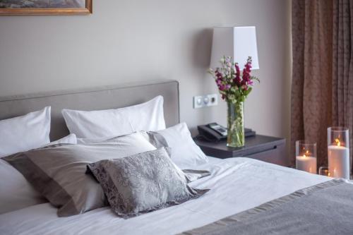 Кровать или кровати в номере ВеличЪ Country Club