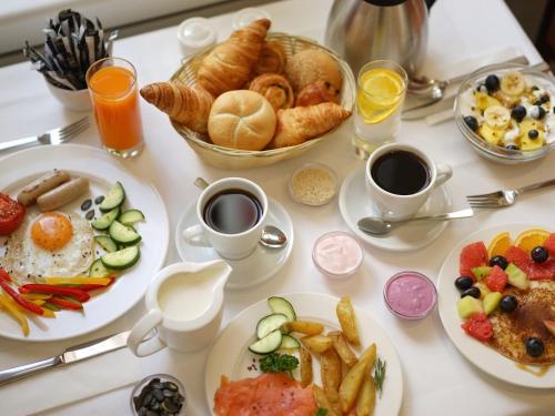 Завтрак для гостей Thermal Hotels & Walliser Alpentherme Leukerbad