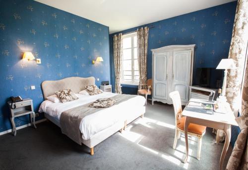 A room at Château de Bellefontaine