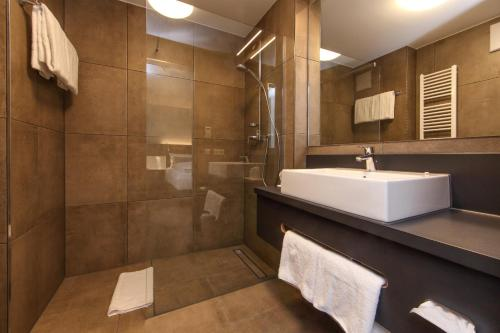 A bathroom at Design & Lifestyle Hotel Estilo
