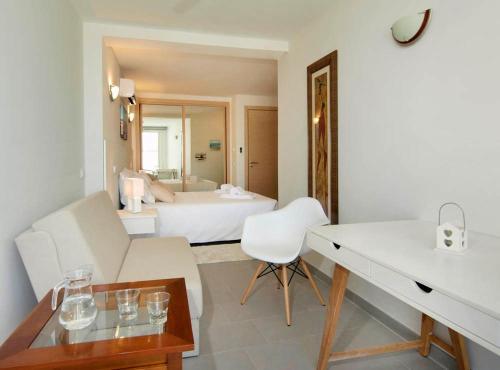A room at Calheta 25