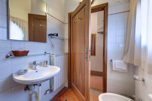 A bathroom at Agriturismo La Presura