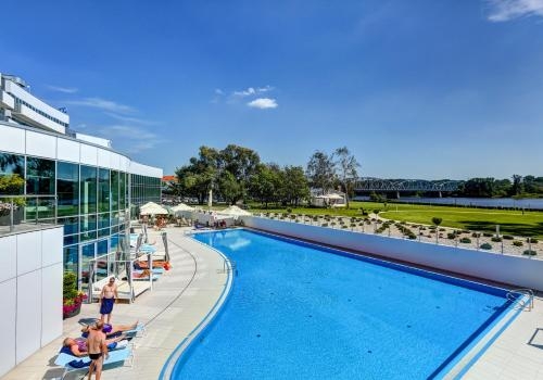The swimming pool at or close to Copernicus Toruń Hotel