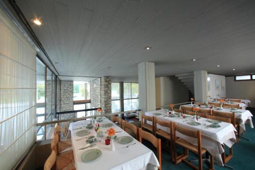 Εστιατόριο ή άλλο μέρος για φαγητό στο Ξενοδοχείο Διόσκουροι